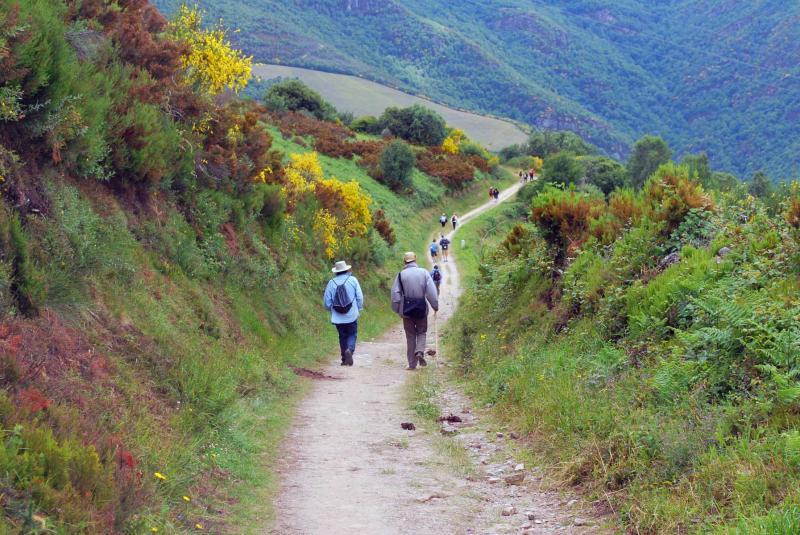 Hiking-Camino-de-Santiago-2