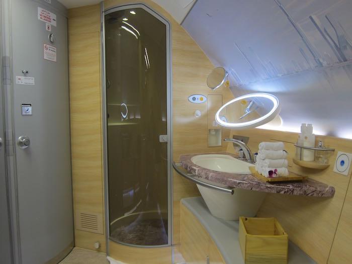 Emirates-A380-First-Class-079